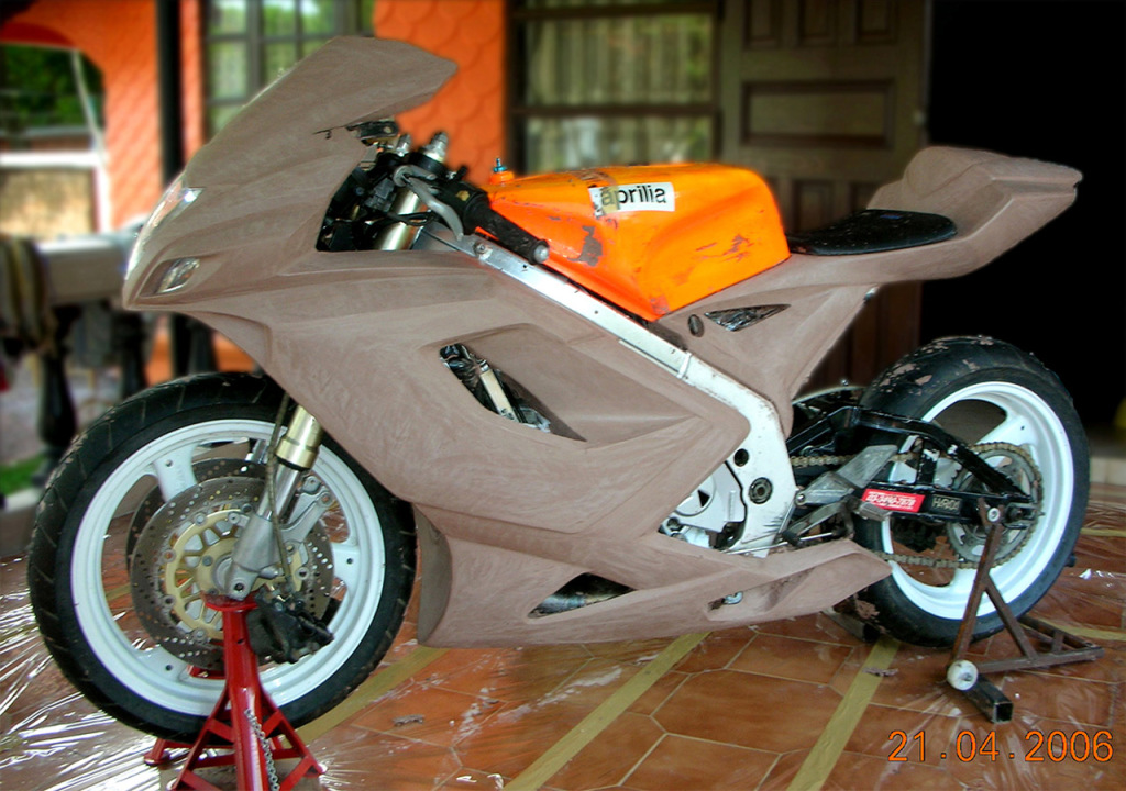 Tyga Performance Suzuki RGV250 bodykit clay model